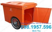 xe gom rác màu trắng,